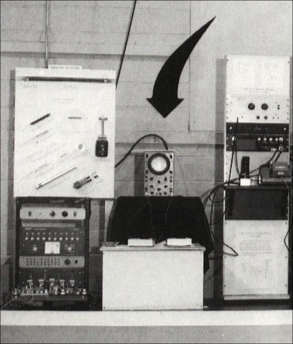 Tennis for Two computer game by William Higinbotham 1958. The oscilloscope is in the middle with the two controllers facing it. Photo courtesy of Brookhaven National Laboratory, New-Upton, York, USA.