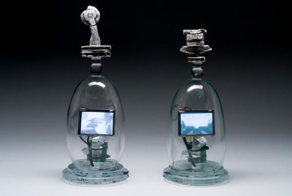 Tim Tate, Virtual Novelist, 2008. Blown and cast glass, electronic components, original video. Courtesy of the artist. Photo: Anything Photographic.