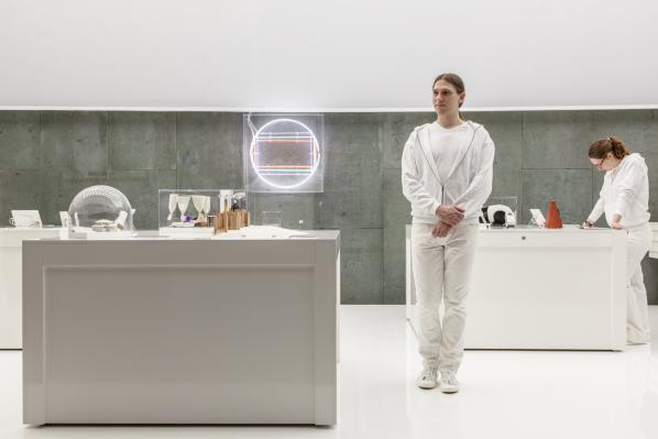 Installation view The White Room Laura Fiorio / Haus der Kulturen der Welt