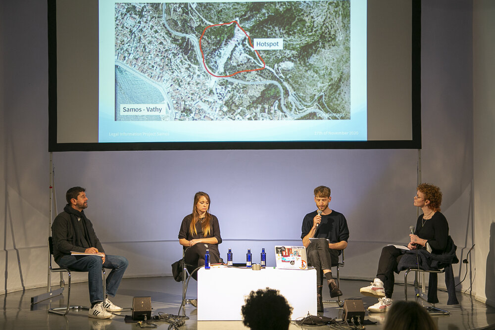 """Roberto Perez-Rocha (left), Sally Hayden ,Philipp Schönberger and Franziska Schmidt during the panel on the first day """"Migration, Failing Policies & Human Rights Violations"""""""